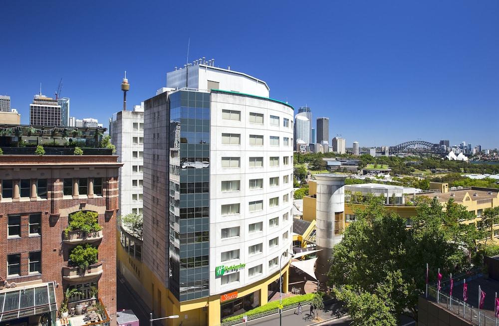 Holiday Inn Potts Point Sydney
