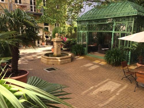 Garden Living Boutique Hotel