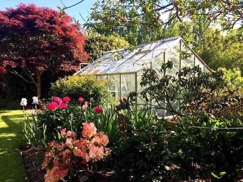 Rhododendron Garden Hotel