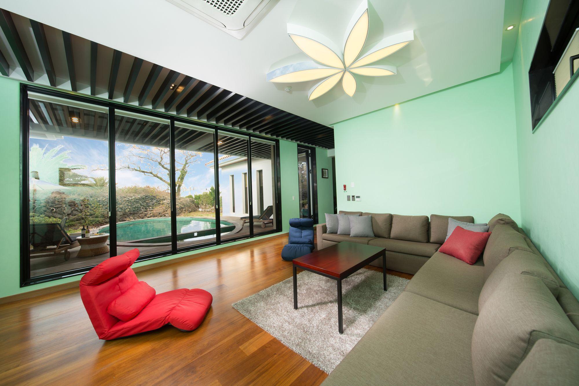 Libentia Hotel & Pool Villa