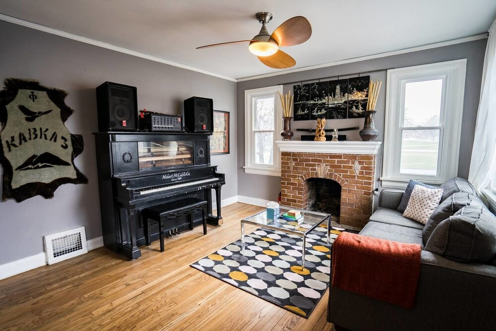 The City Park Cottage With Home Theater