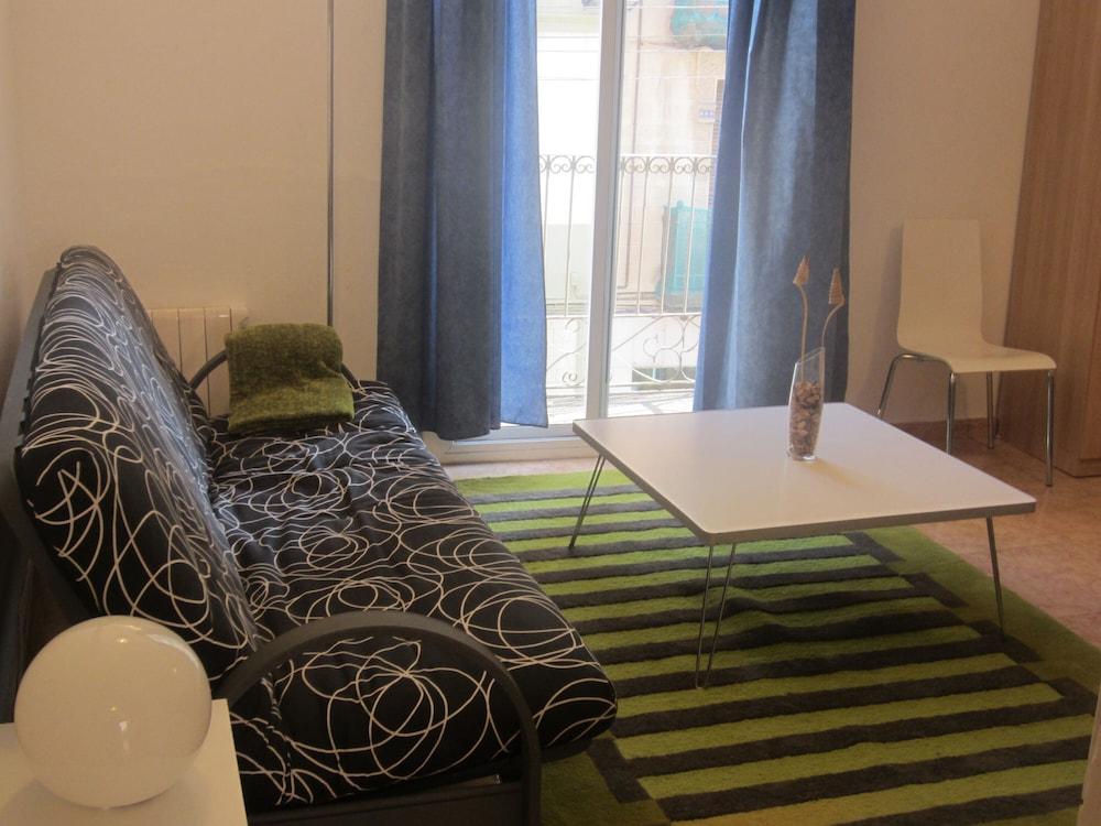 Apartaments Clot Sant Martí