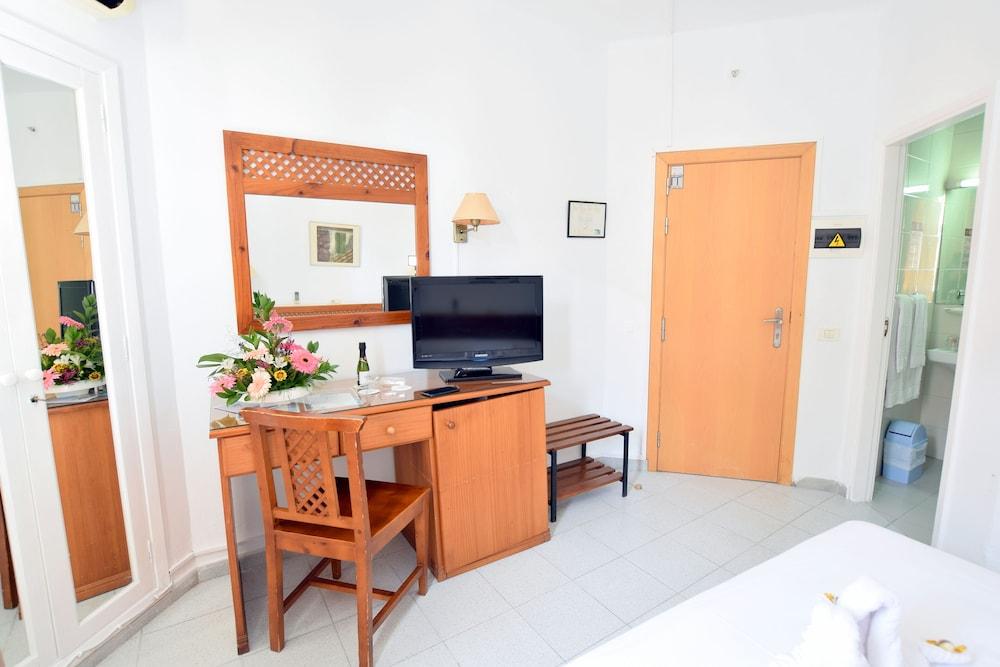 Gallery image of Hotel Adonis Pelinor