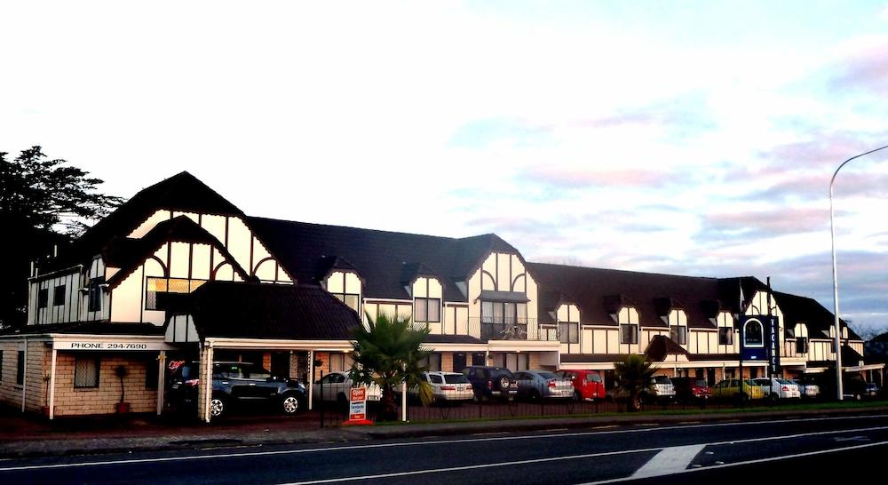 Drury Motor Lodge
