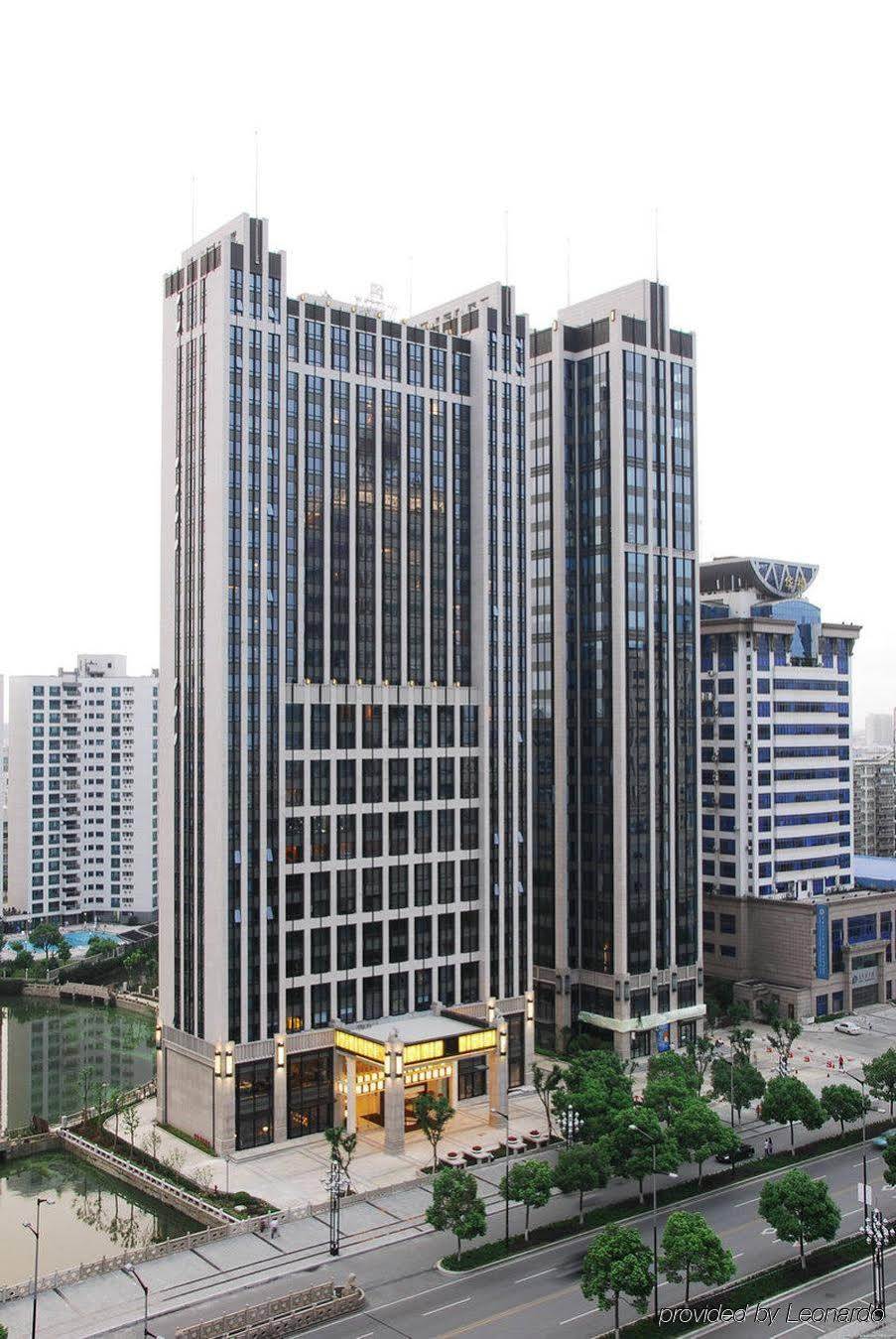 Wealthy All Suite Hotel Suzhou