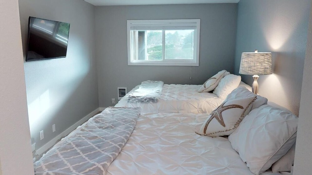 Surftides Plaza # 371 1 Bedroom Condo