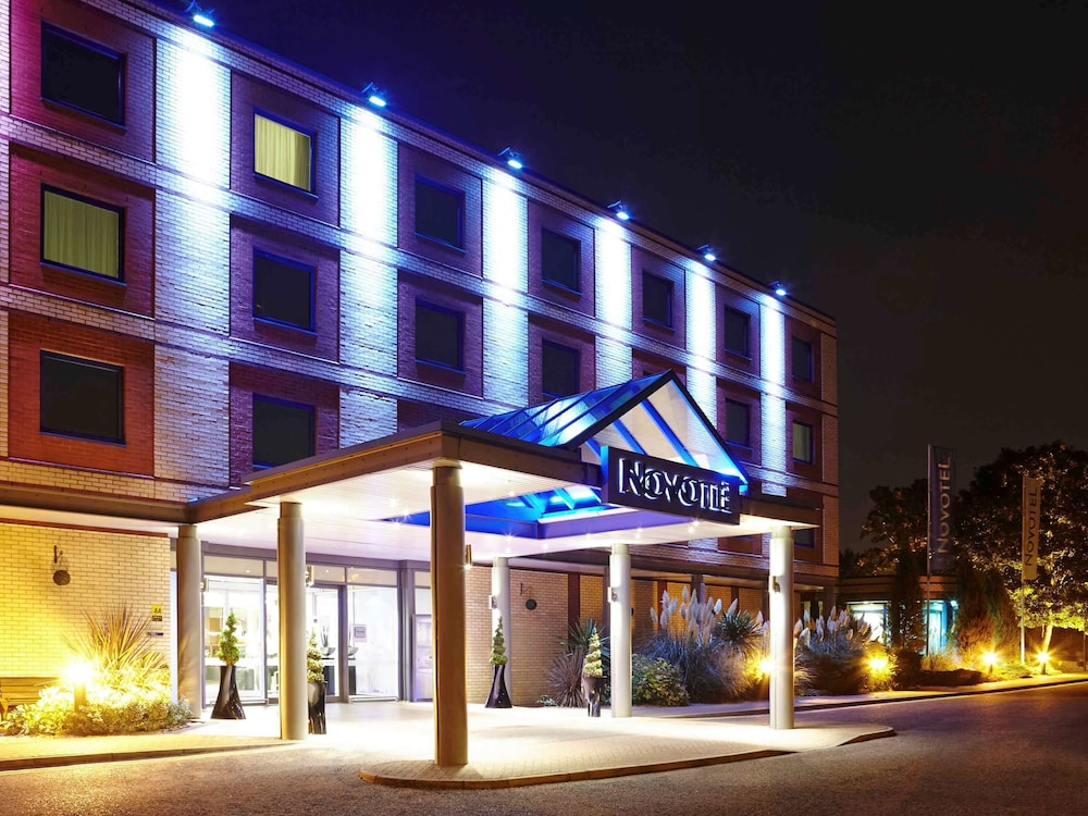 Novotel London Heathrow Airport M4 Jct 4 Hotel