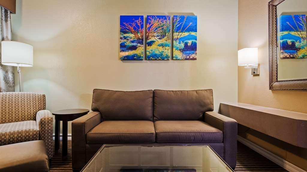 Gallery image of Best Western Royal Sun Inn & Suites