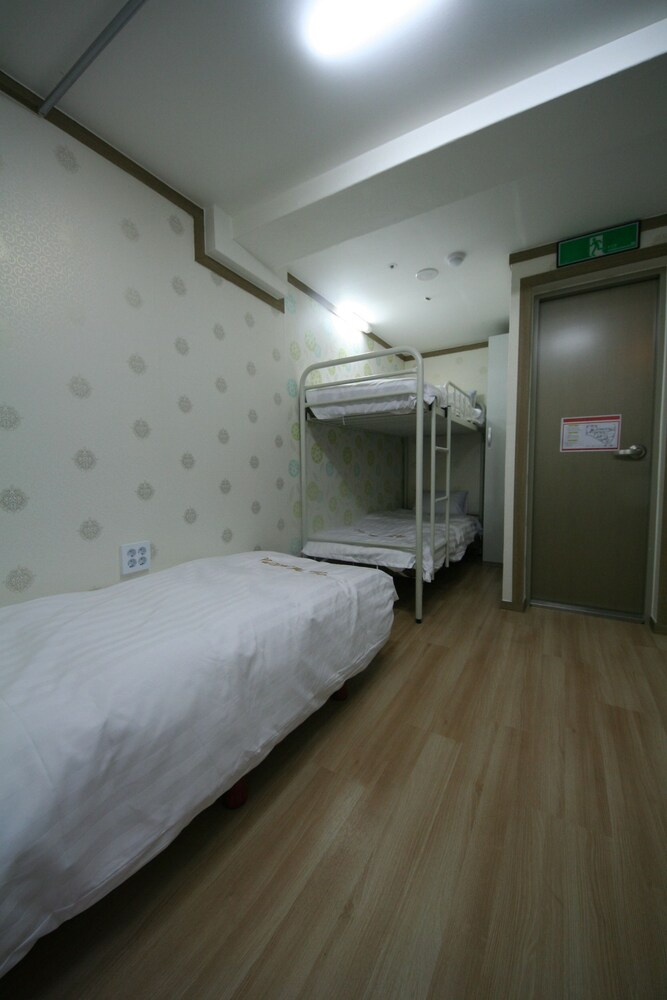 Gallery image of The Maru