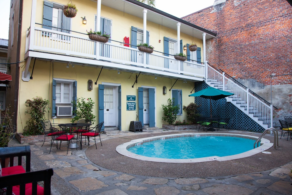 Hotel St. Pierre a French Quarter Inns Hotel