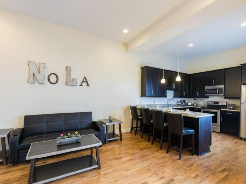 Beautiful Condos Steps from French Quarter and Bourbon St