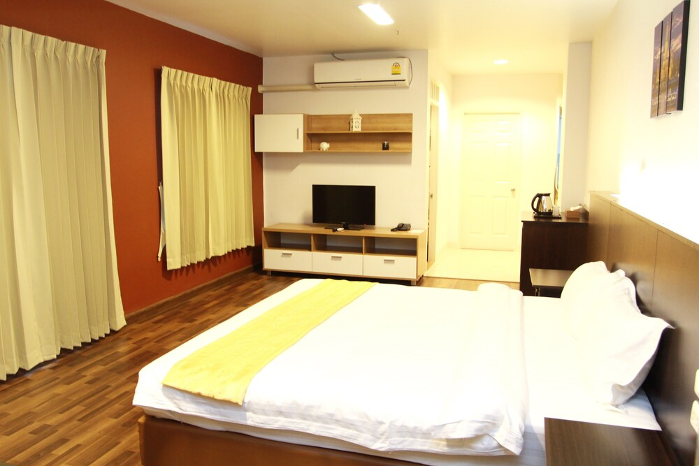 Gallery image of 101 Holiday Suite