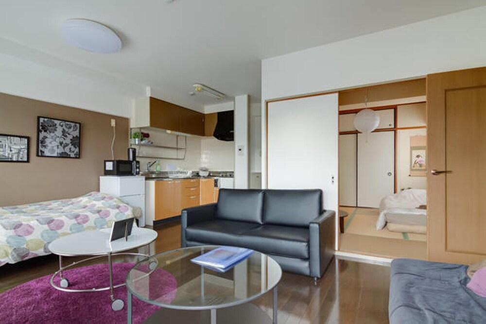 Cosmo Residence Tamatsukuri 801