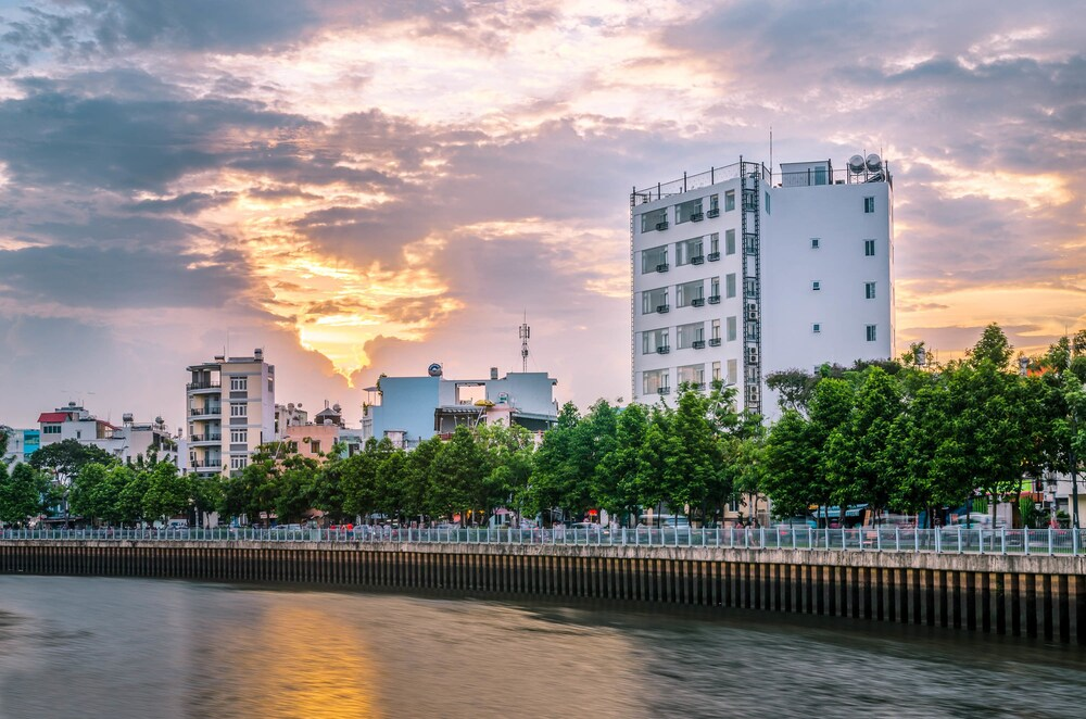 Place In Saigon Apartment