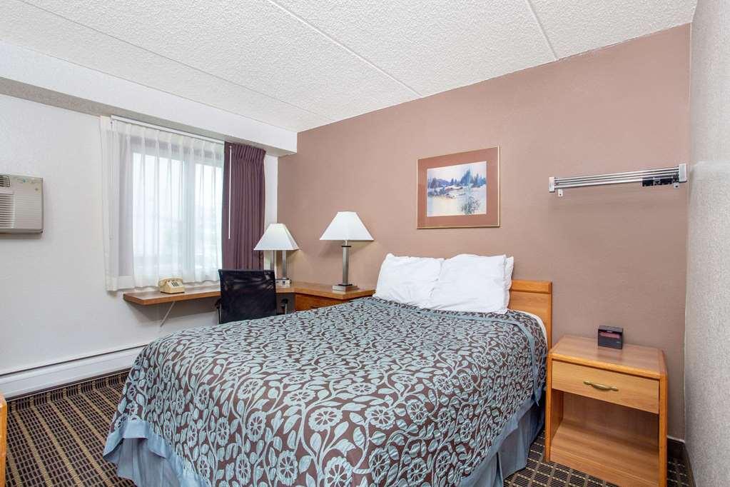 Gallery image of Days Inn by Wyndham Fond du Lac