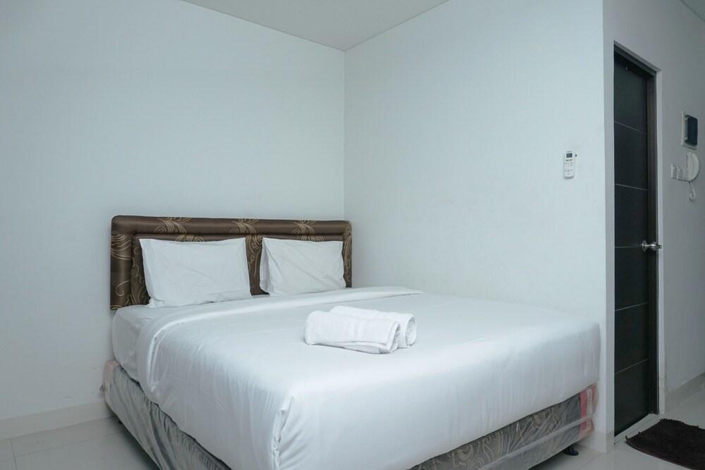 Comfy Studio Tamansari Semanggi Apartment By Travelio