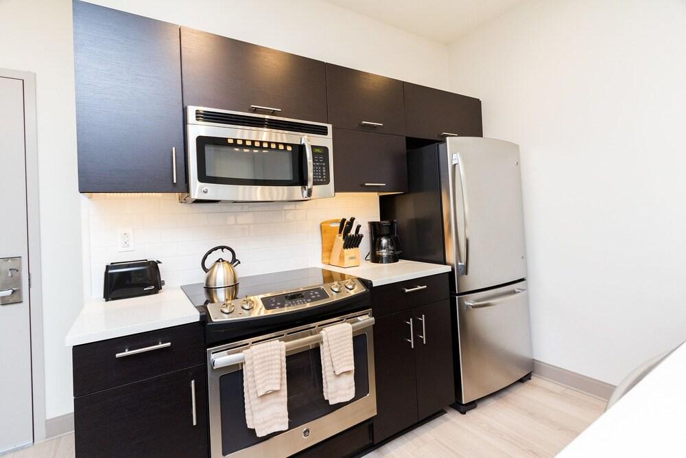 Cook City Suites 1338 Chestnut Street