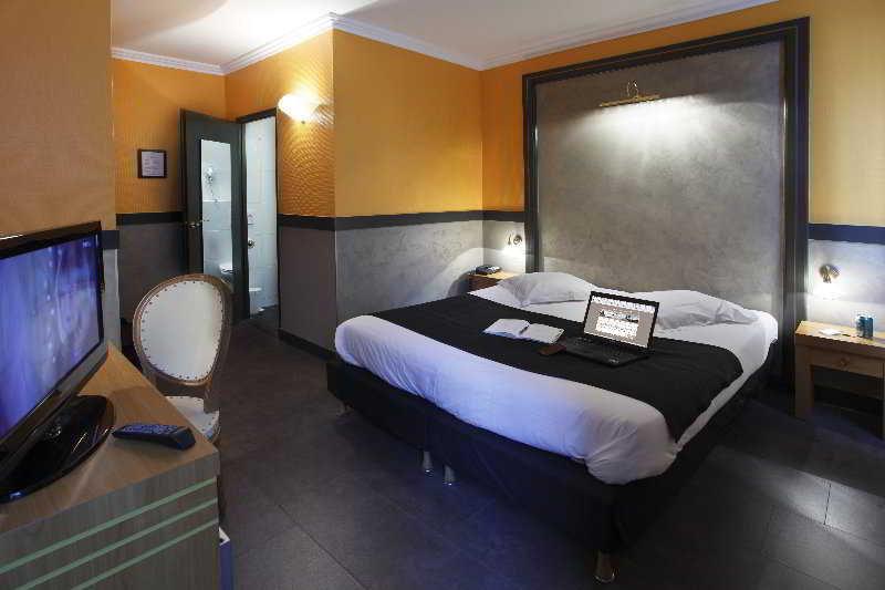 Adonis Marseille Vieux Port Hotel Du Palais