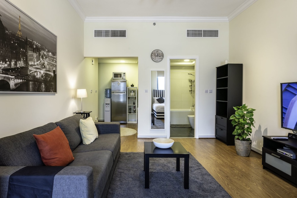 One Perfect Stay Studio Executive Bay