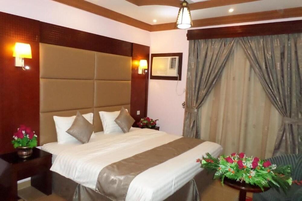Lavena Hotel Apartments Al Basateen
