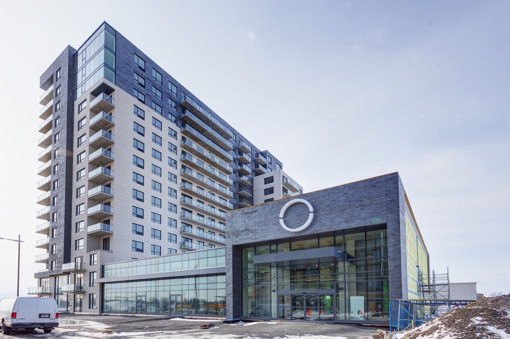 Corporate Stays L'Equinox Modern Apartments