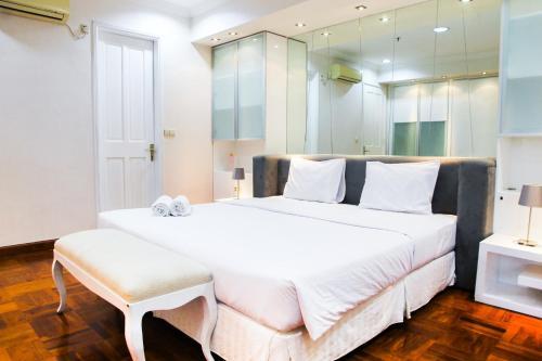 Best Spacious 3BR Park Royale Apartment