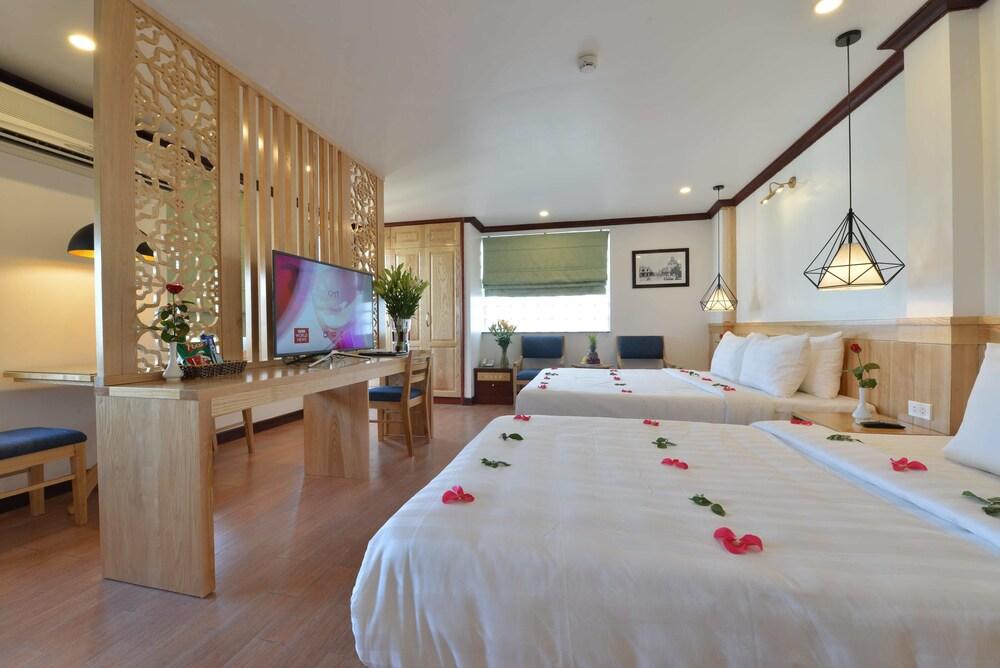 Blue Ha Noi Inn Legend Hotel