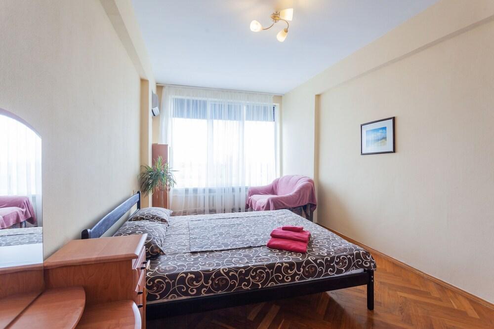 Apartments near Druzhby Narodov