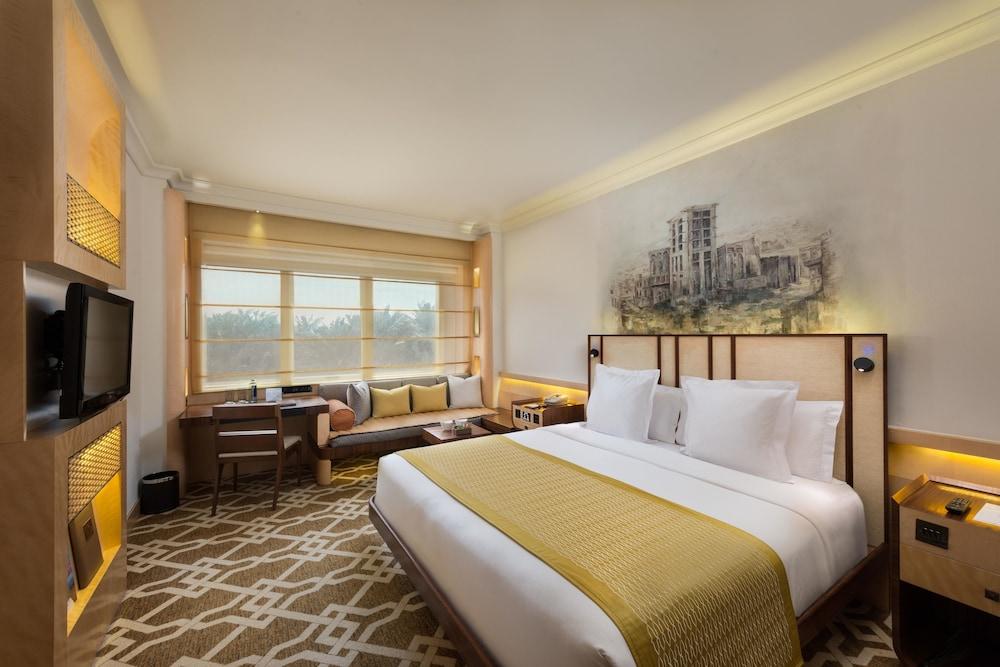 Marco Polo Hotel