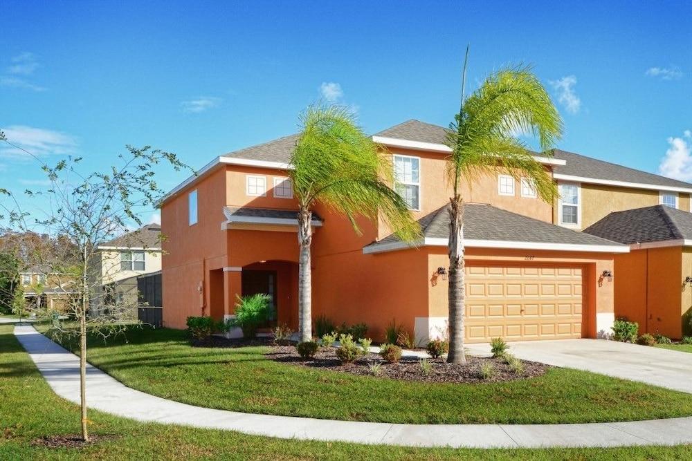 Veranda Palms 2647 Four Bedroom Villa with Private Pool