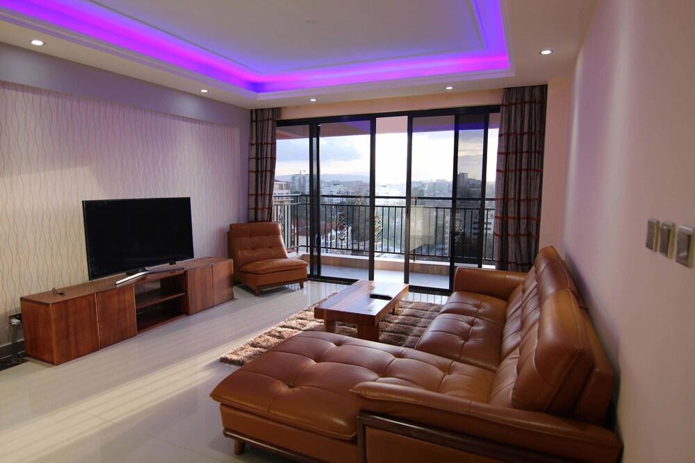 Stupendous Views Penthouse 24