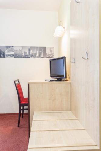 Hotel Mit Mensch (هتل میت منسچ)
