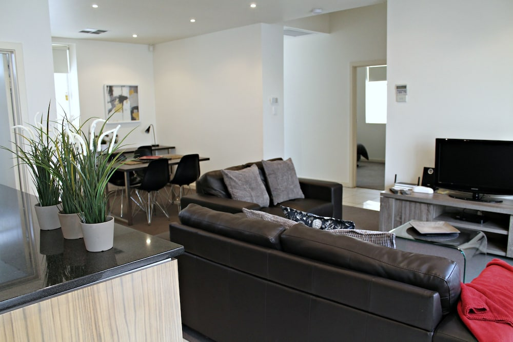 Adelaide DressCircle Apartments Specialty Accommodation