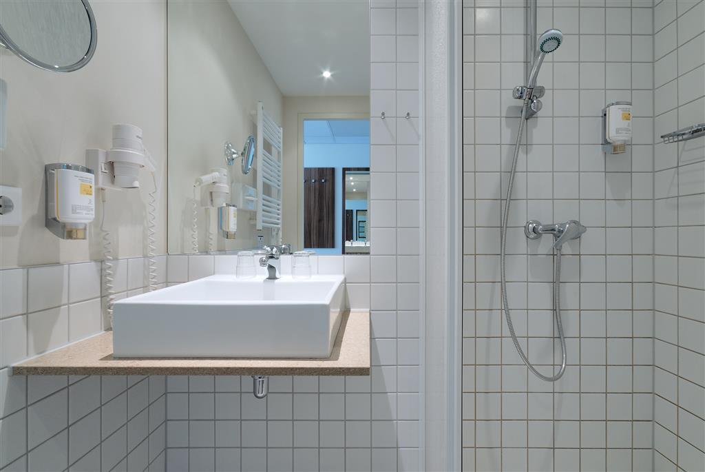 Best Western Hotel City Ost (بست وسترن هتل سیتی اوست) Guest Bathroom