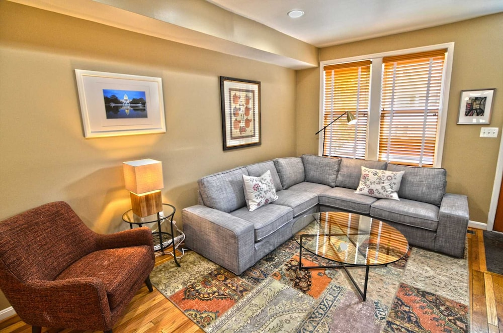 3254 Northwest Townhome #1056 3 Br Townhouse