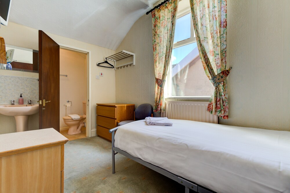 Gallery image of New Osborne Hotel