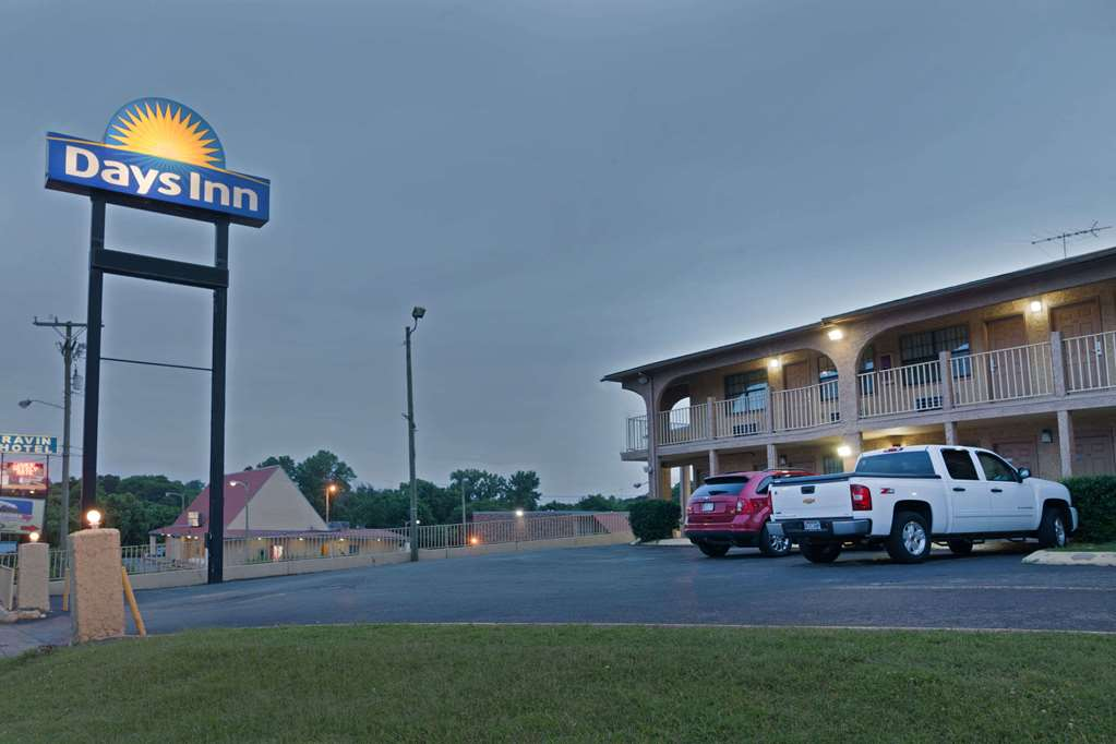 Days Inn by Wyndham Downtown Nashville West Trinity Lane