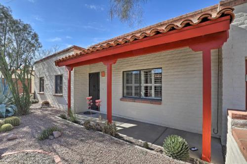 Bright Tucson Home with Patio By Rillito River Path