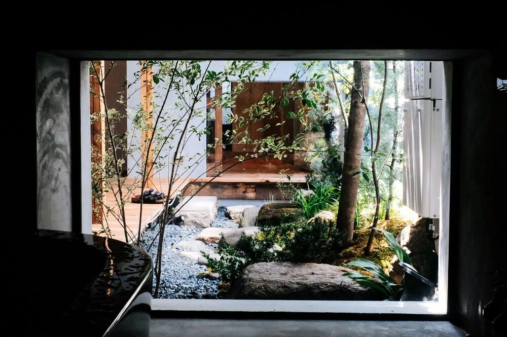 A day in khaki khaki Guesthouse