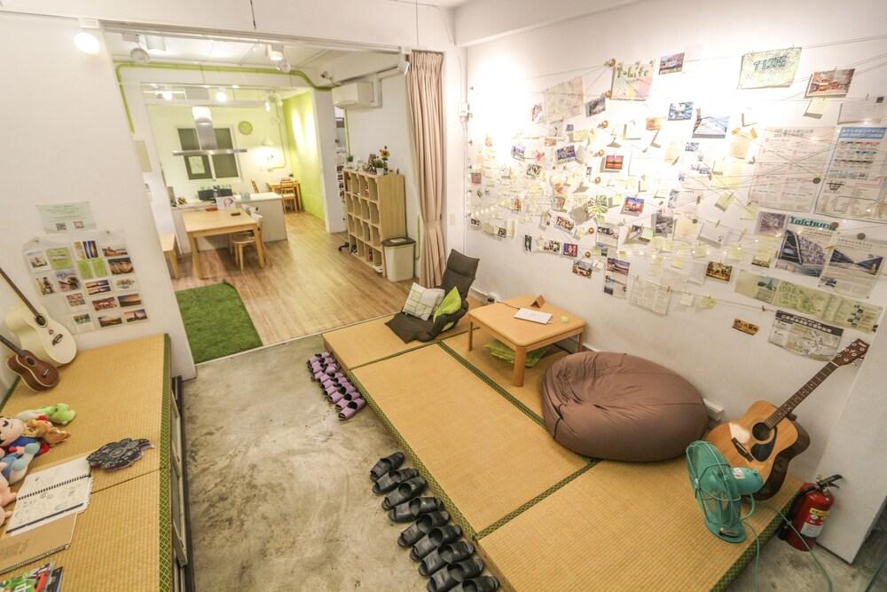 T Life Hostel