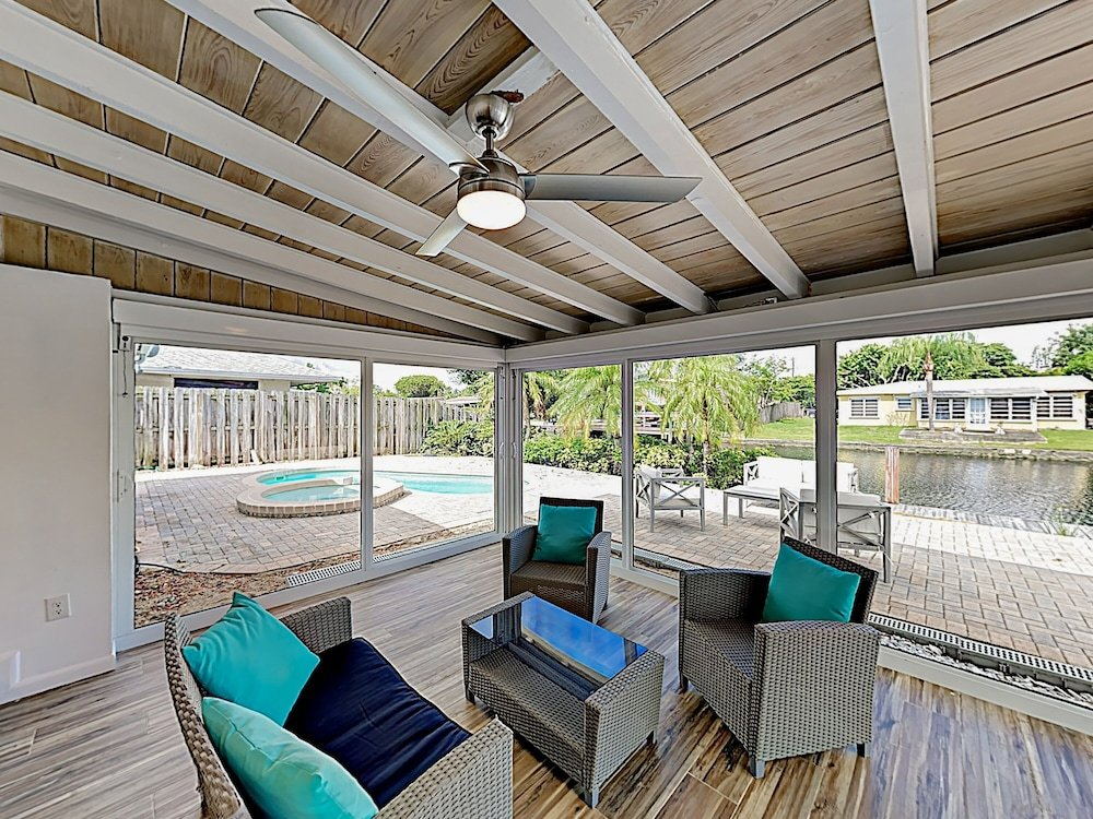 New Listing Canal front W Private Pool & Hot Tub 3 Bedroom Home