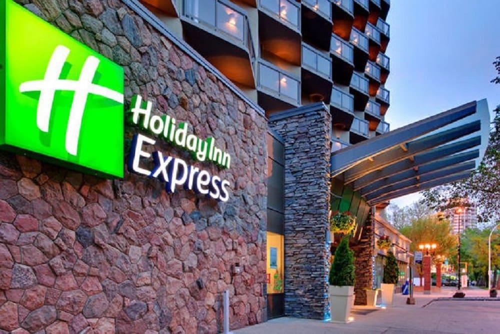 Holiday Inn Express Edmonton Downtown