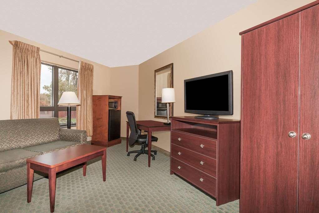 Gallery image of Days Inn by Wyndham Utica