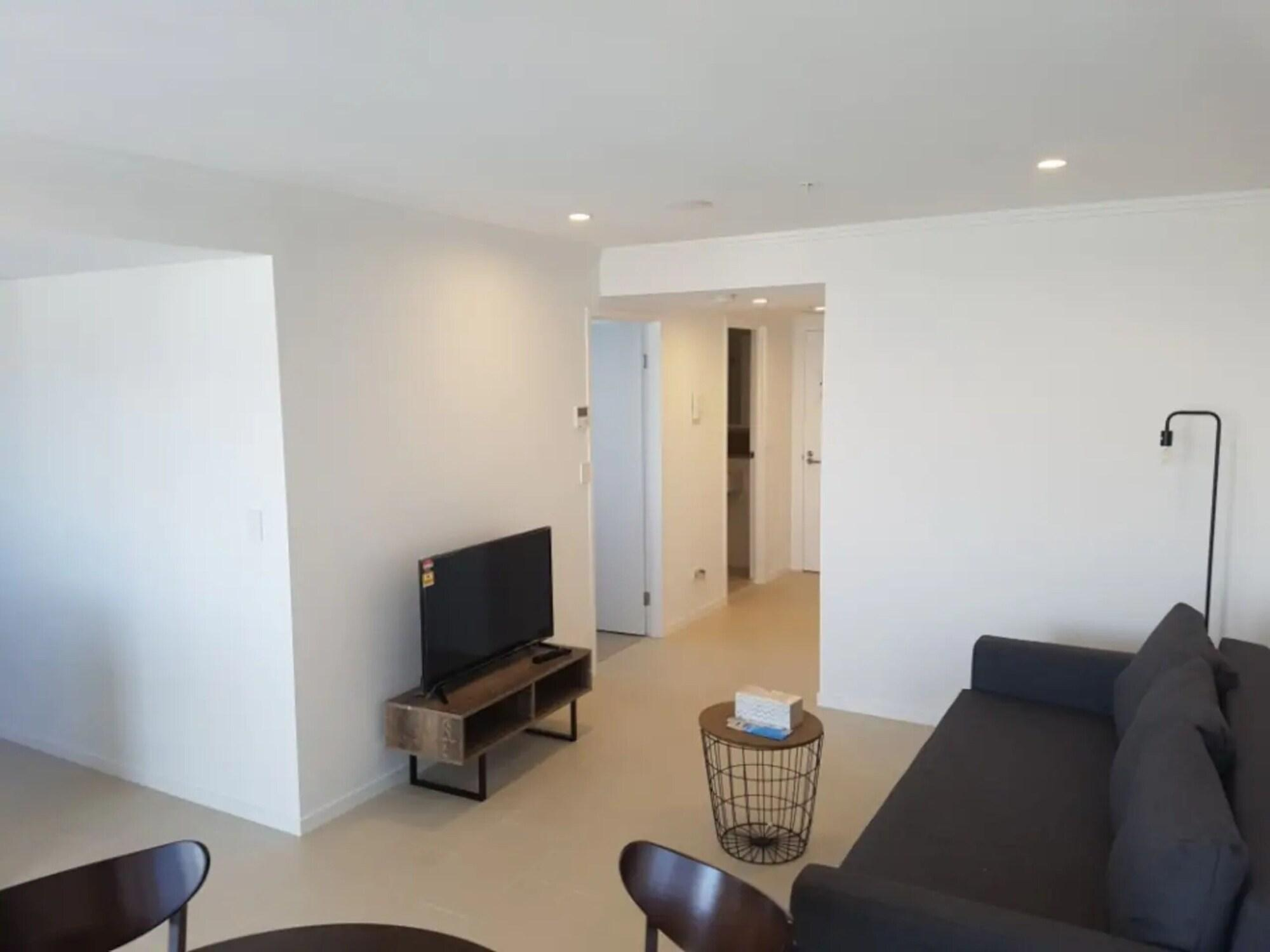 Newstead 1 Bedroom Apartment With City View