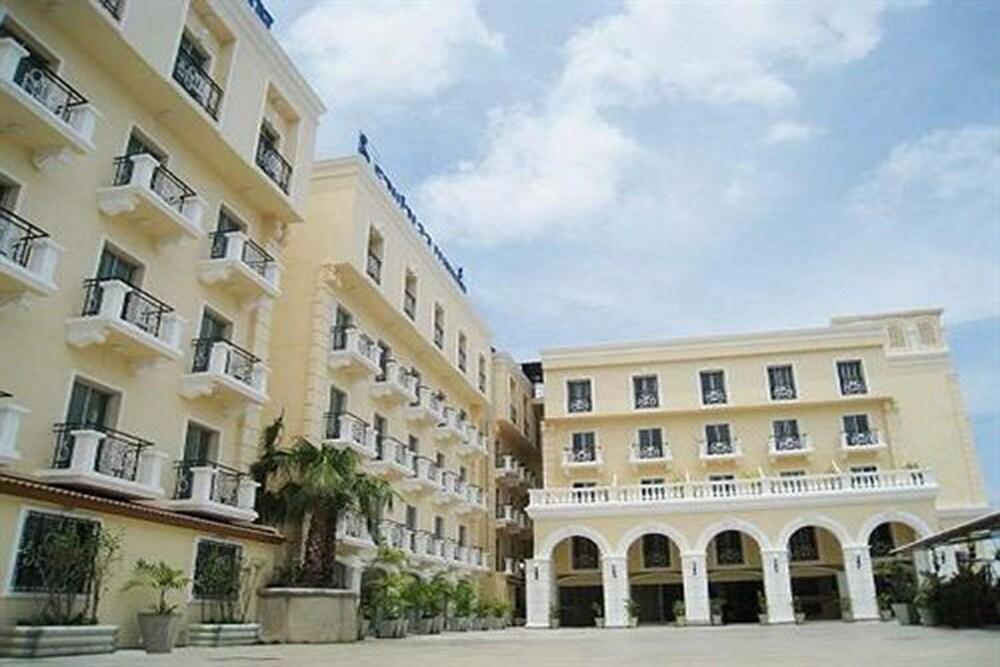 Rafael Hotel and Mansion Bangkok