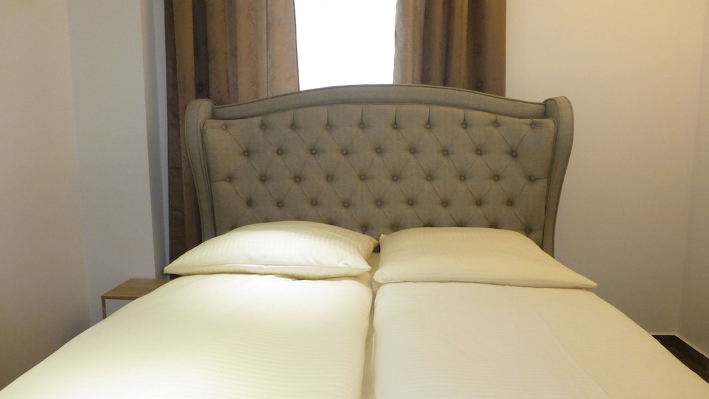 Hr Hotel