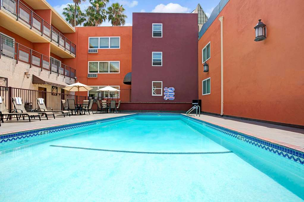 Gallery image of Ramada by Wyndham Los Angeles Downtown West