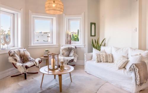 Designer Beachview Apartment A Bondi Beach Holiday Home