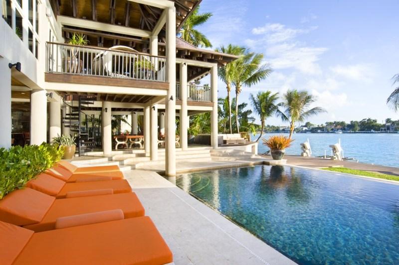 Stunning Balinese Style Villa