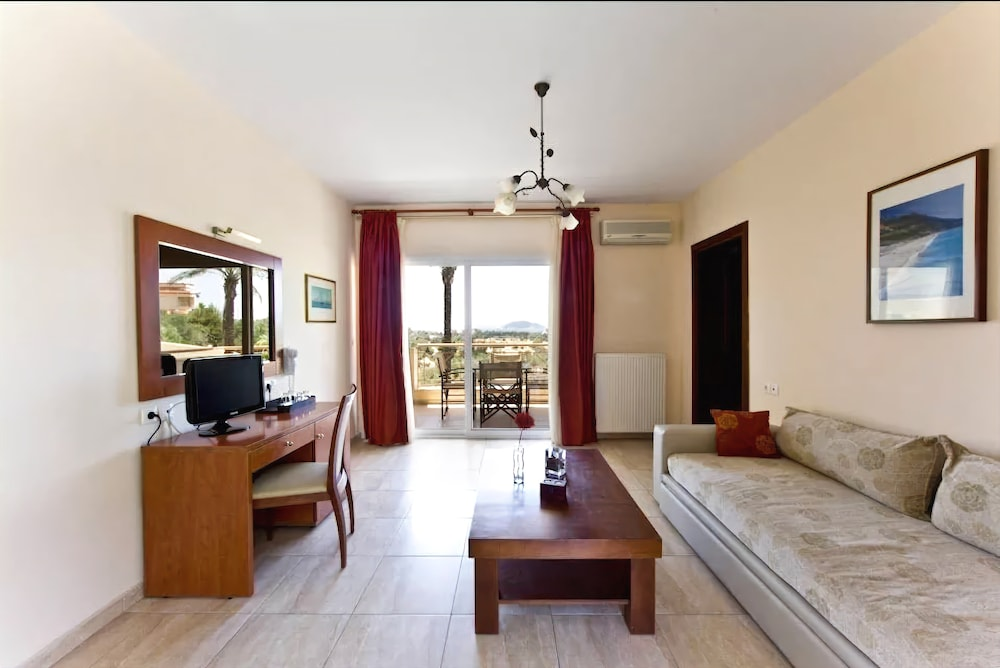 Gallery image of Kelyfos Hotel Bungalows and Suites